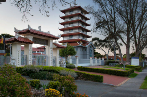 Hoa Nghiem Buddhist Temple in Springvale