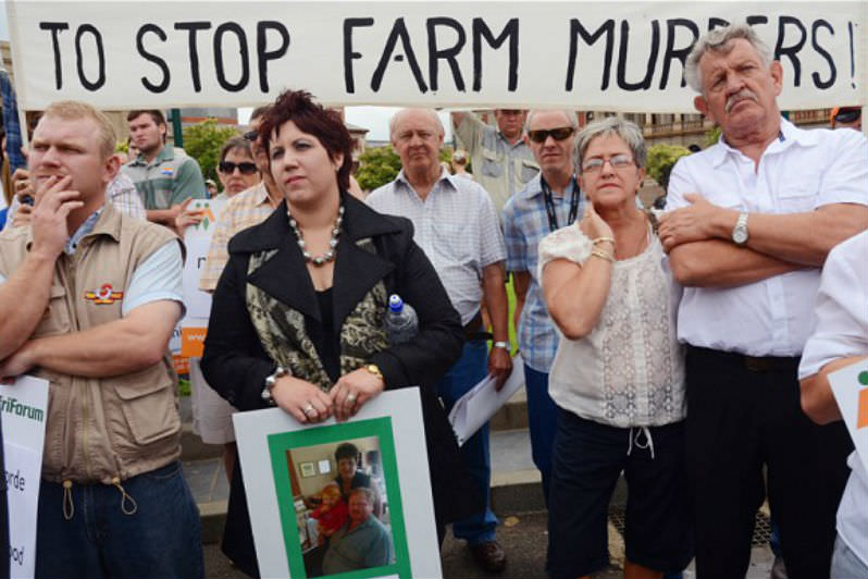 Protestors in support of white South African farmers