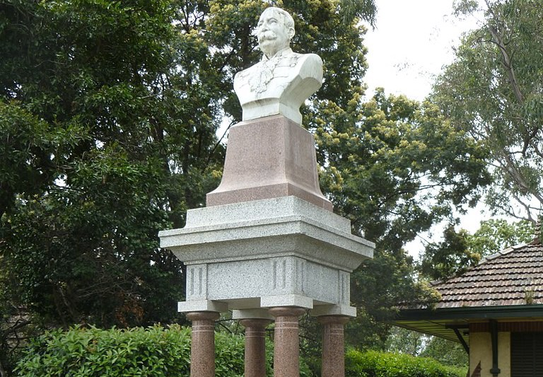 Main image: George Ievers memorial drinking fountain Parkville (PeterChickenCampbell/Wikicommons)