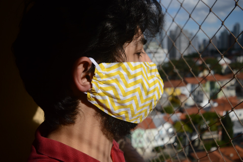 Main image: Man wearing mask (Bruna Araujo/Unsplash)