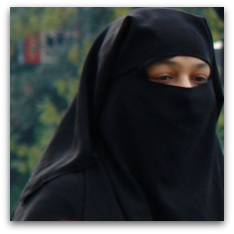 Burqa on the Hogeweg, Flickr image by CharlesFred
