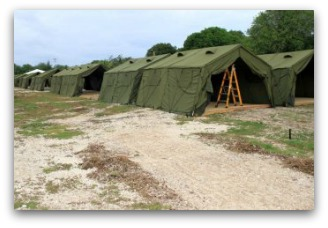 Tents on Nauru. ABC News: Rod Henshaw