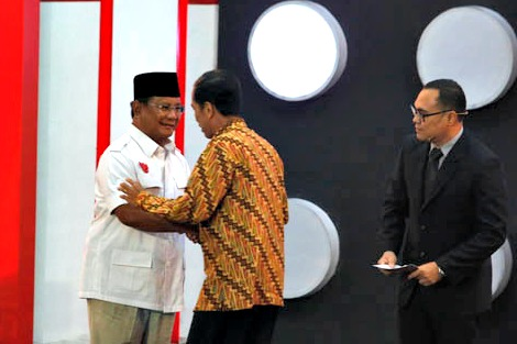 Candidates Prabowo and Jokowi before debate