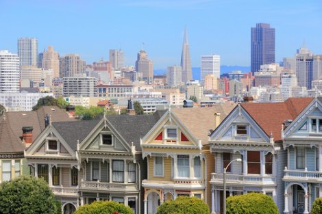 San Francisco skyline and bourgeois houses
