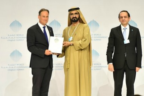 Greg Hunt receives award