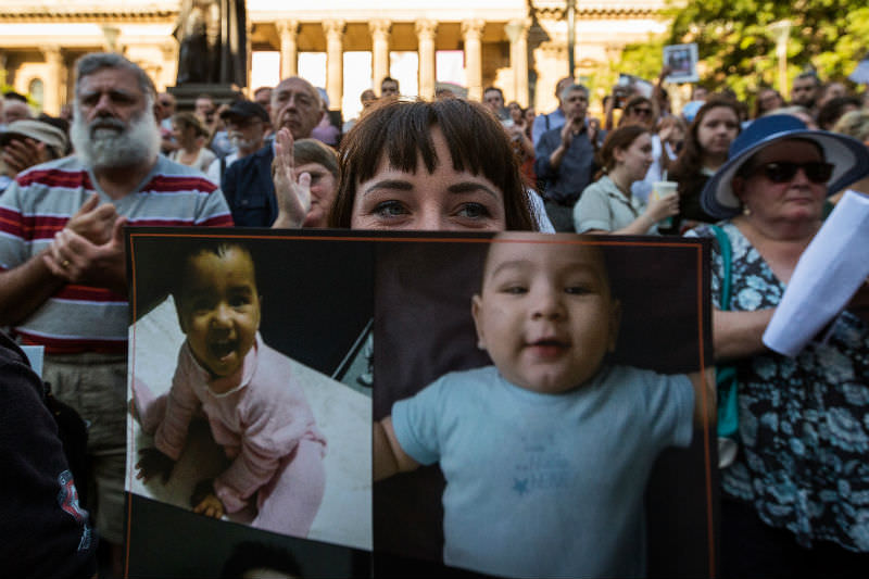 Melbournians rally for the rights of asylum seekers. (Chris Hopkins/Getty Images)