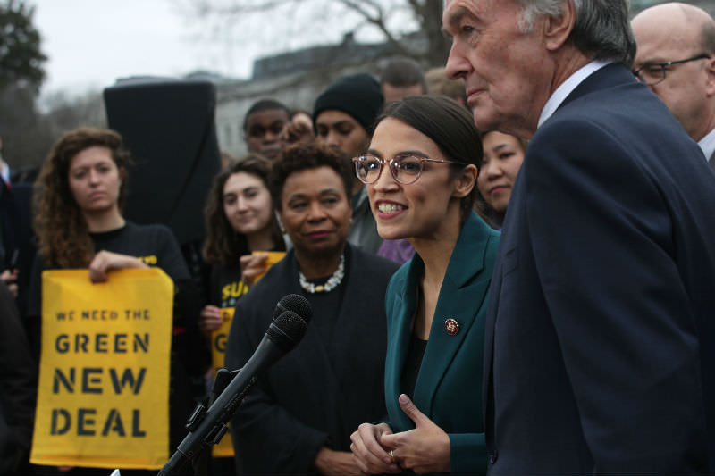 US Democratic lawmakers Rep. Alexandria Ocasio-Cortez and Sen. Ed Markey unveil their Green New Deal Resolution (Alex Wong/Getty Images)
