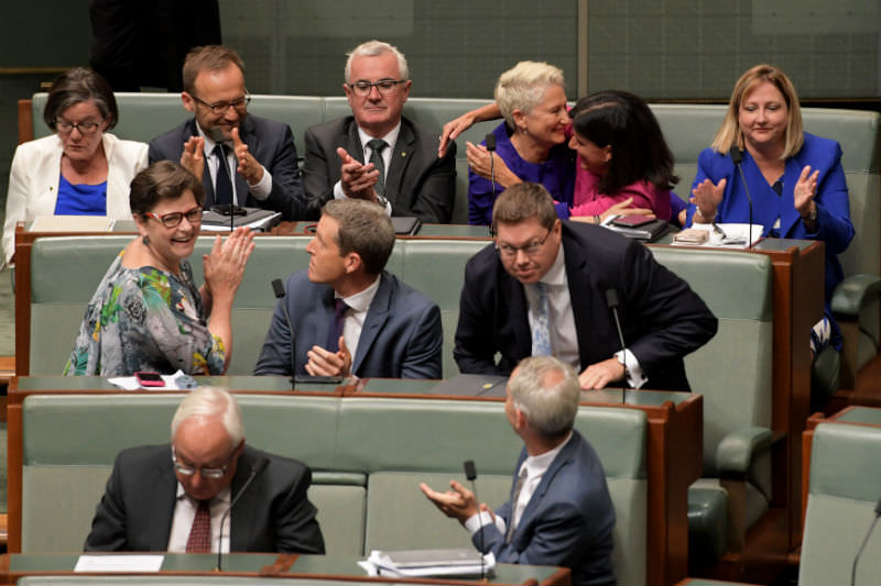 Independents Cathy McGowan, Adam Bandt, Andrew Wilkie, Kerryn Phelps, Julia Banks and Rebekha Sharkie celebrate passing the Medivac Bill in the House of Representatives. Photo by Tracey Nearmy/Getty Images