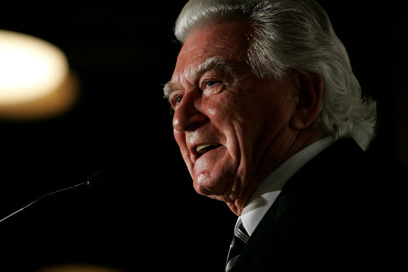 Former Australian Prime Minister Bob Hawke makes a speech during the launch of his biography Hawke: The Prime Minister in Sydney on 12 July 2010. (Photo by Graham Denholm/Getty Images)