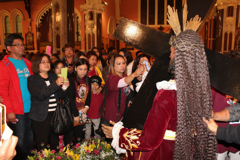 Filipino-Australians celebrate Feast of Black Nazarene at St Mary Star of the Sea Church in West Melbourne. (Philtimes)