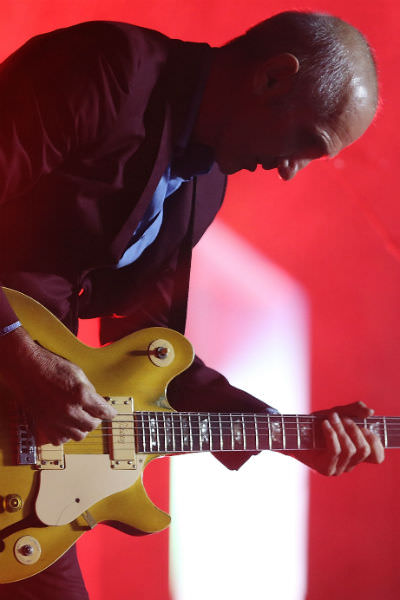 Paul Kelly performs in 2015. (Credit: Stefan Postles / Stringer / Getty)