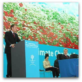 Opening of the 14th Conference of the Parties to the UNFCCC. Poznan, Poland, Dec. 1, 2008, Flickr image by Oxfam International